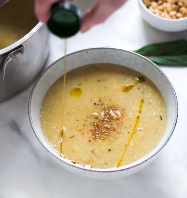 Roasted Cauliflower Garlic Soup w Fresh Thyme-0616