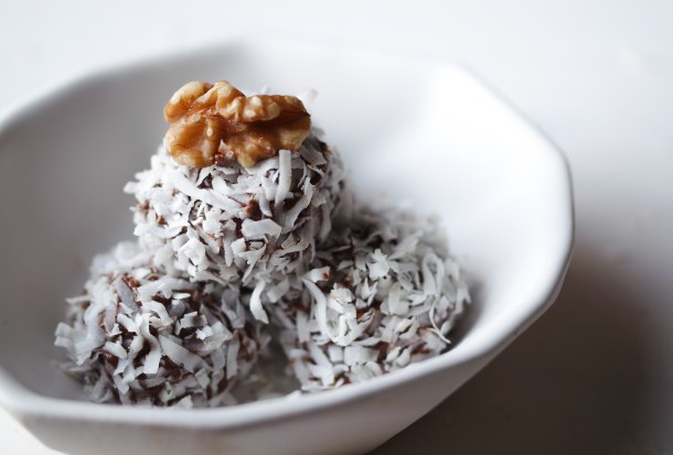 Baller Breakfast: Low Carb Fudgy Coconut Protein Balls