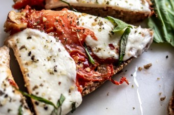 Freaking Addictive Low Carb 🍕 French Bread Pizzas