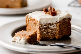 Super Moist Pumpkin Spice Cake (Keto & Gluten Free!)