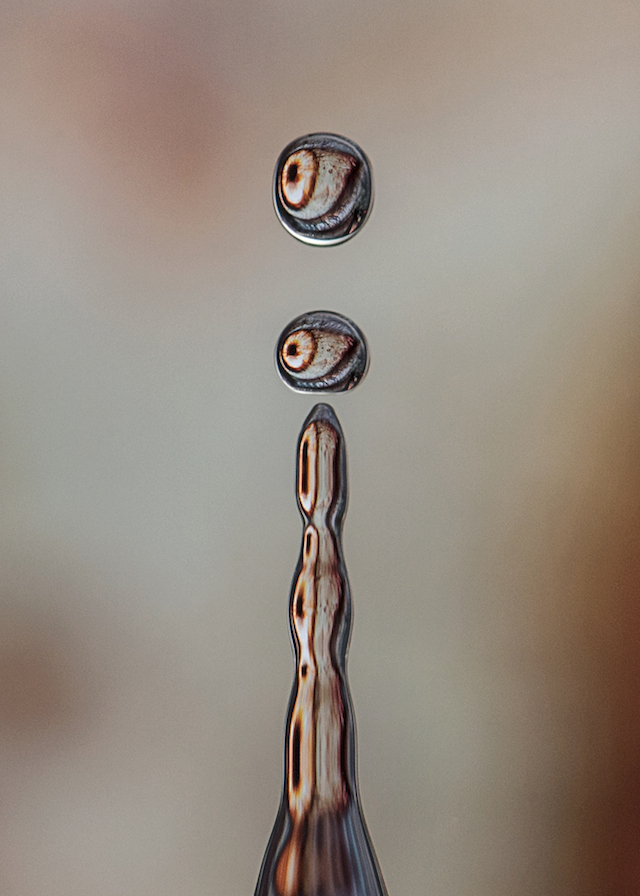 Water-Drops-Reflections-11