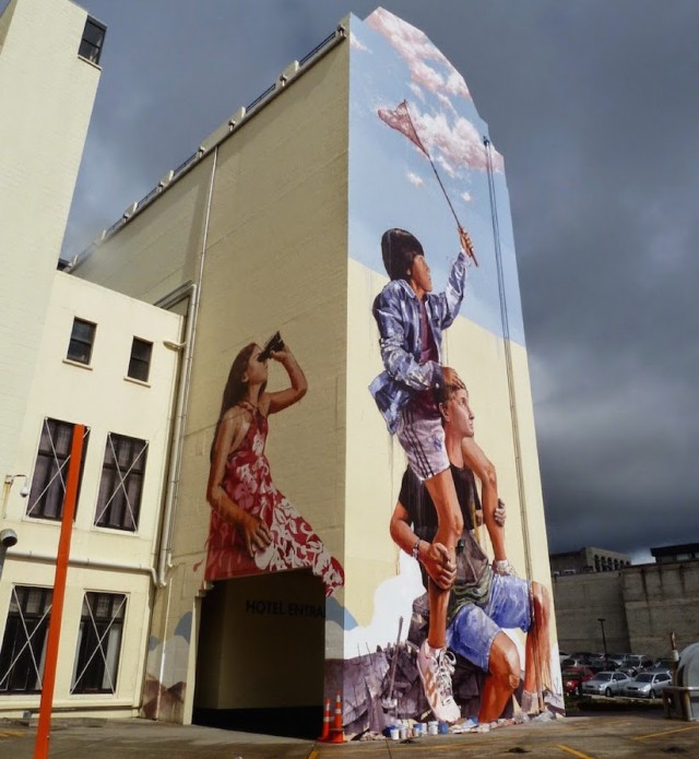 Mural-by-Fintan-Magee-in-New-Zealand_0-640x695
