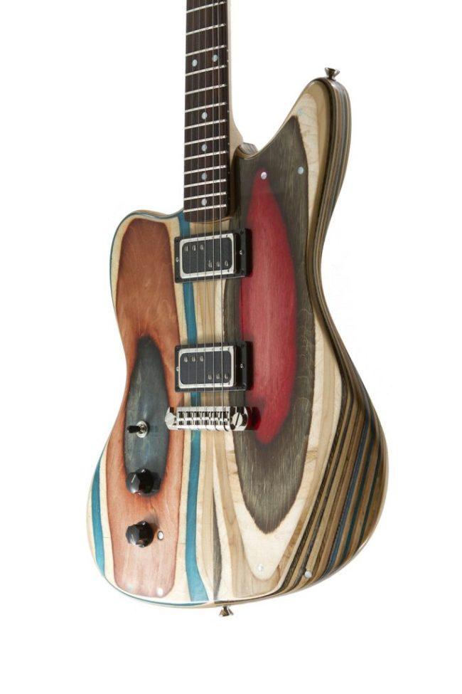 Guitarras construídas com skates velhos