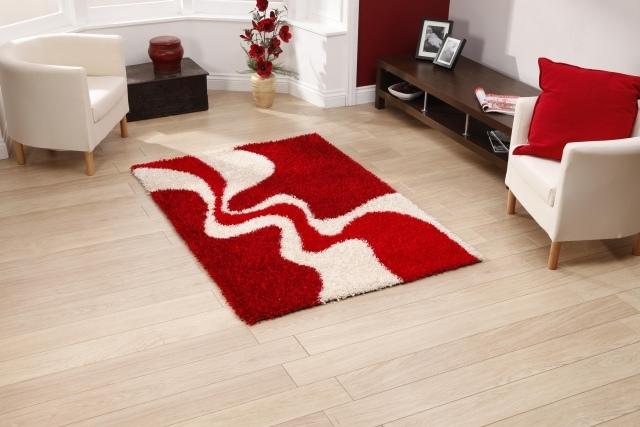 combiner blanc et rouge dans le salon