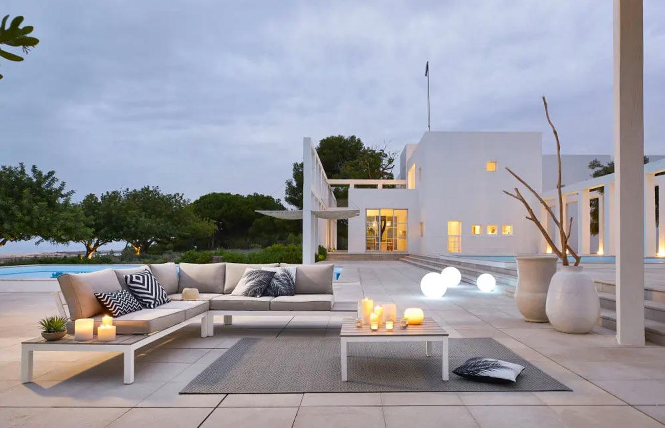 Voir plus d'idées sur le thème maison du monde, mobilier de salon, canapé maison du monde. Mobilier De Jardin Maisons Du Monde 2021 10 Idees Pour Un Exterieur Somptueux