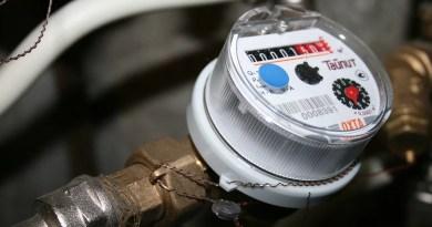 Counter Water Water Meter Plumbing  - delo / Pixabay