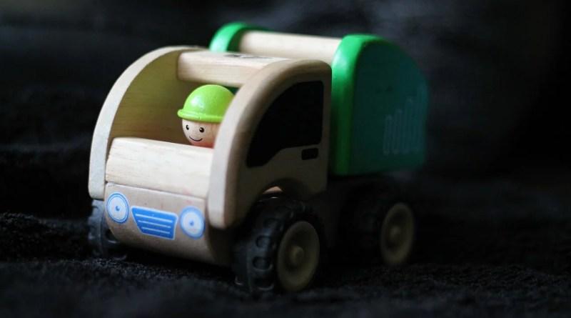 Toy Children Auto Toy Car Dustman  - PetraSolajova / Pixabay