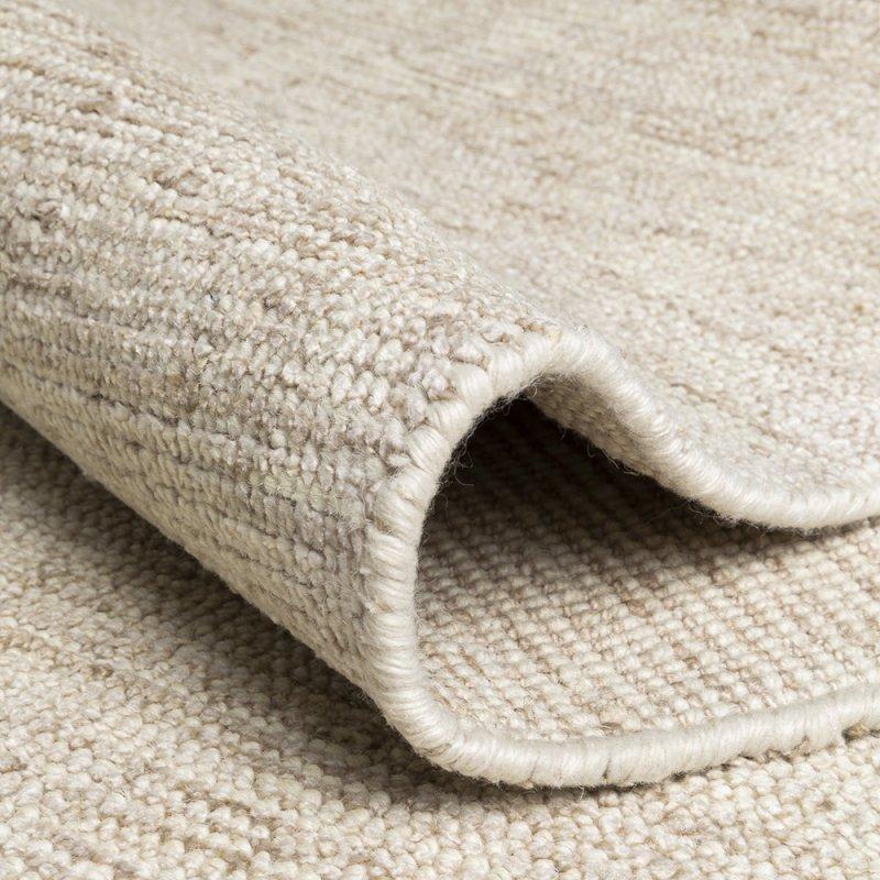 tapis de de luxe design beige en soie de bambou et laine inspiration luxe