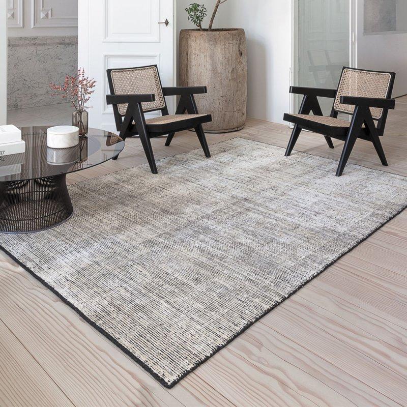 tapis de de luxe design noir en soie de bambou et laine inspiration luxe