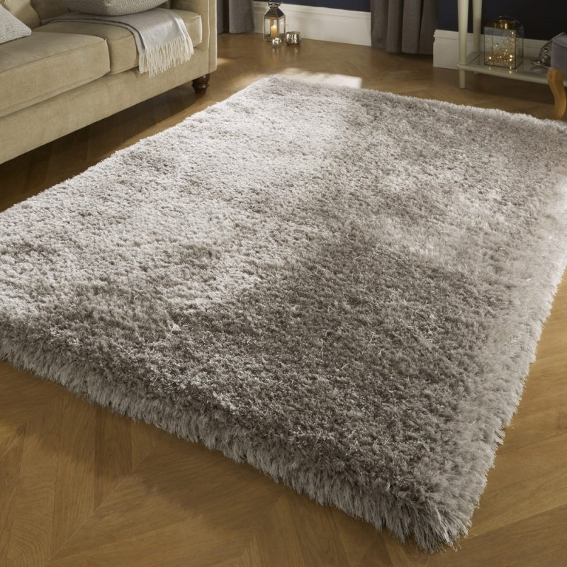 tapis shaggy a poils longs gris clair tres epais inspiration luxe