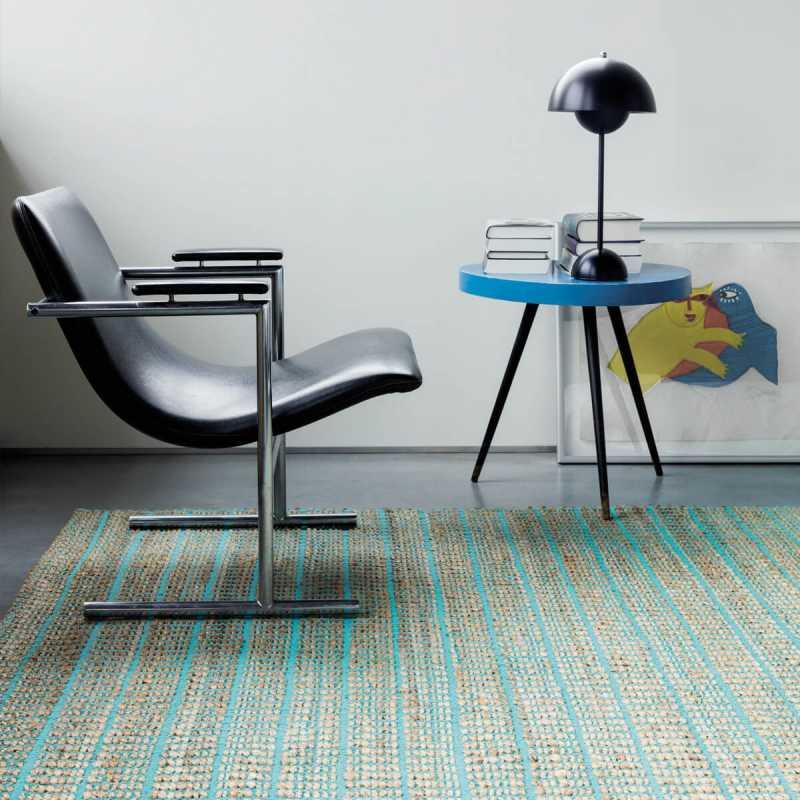 tapis haut de gamme bleu en fibres naturelles par ligne pure