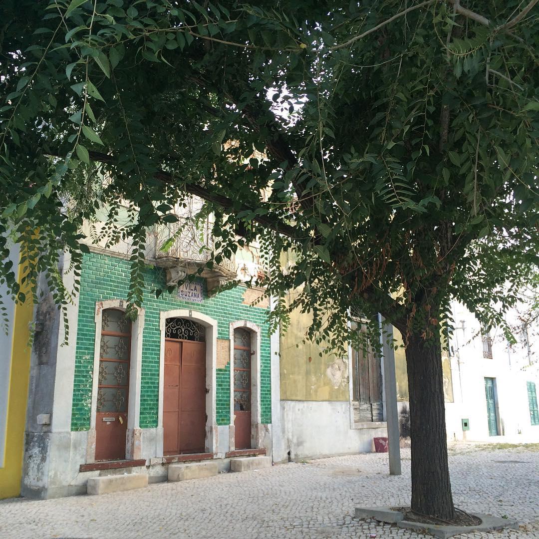 Vila Suzana, Portugal