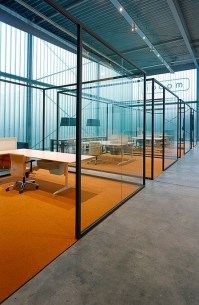 Glass office partition STRIJKERS PARTITION SYSTEM by ...