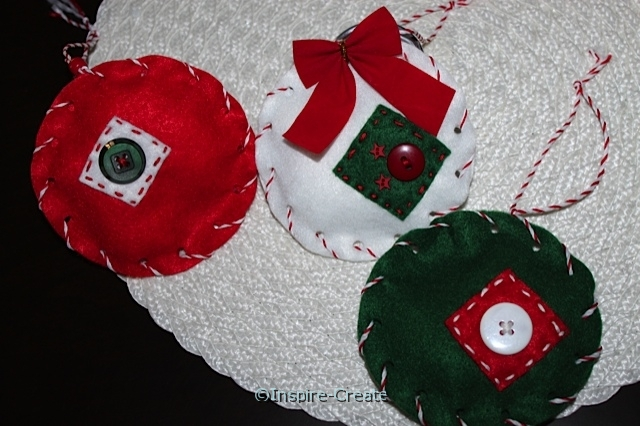 easy felt ornaments with buttons and bows
