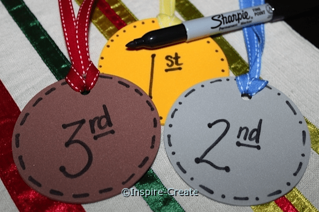 medals for kids with foam circles and ribbon