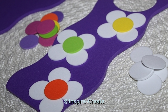 use foam circles to make flowers
