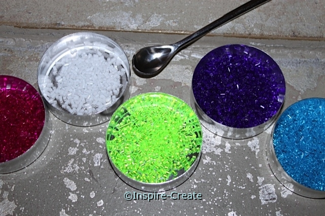 Pour Makit & Bakit Baking Crystals into small bowls or tins to help create easier sun catchers.