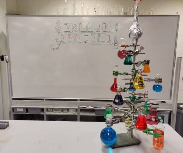 "18. ""My Friends And I Built A 'Chemistree', And We Hope You Like It! We Used The Periodic Table to Spell 'Merry Christmas' In Dutch."""