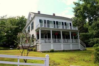 LRFolsomFolsom House exterior