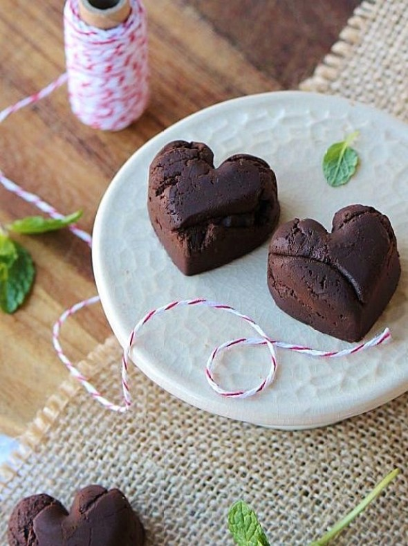 broken heart mint chocolate truffles_blog_c