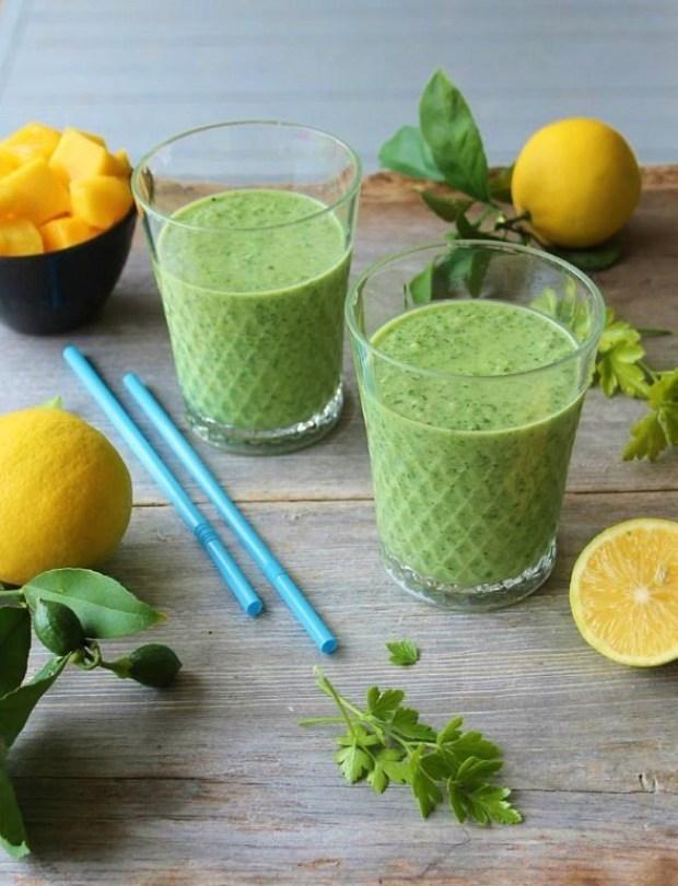 glowing green smoothie_blog