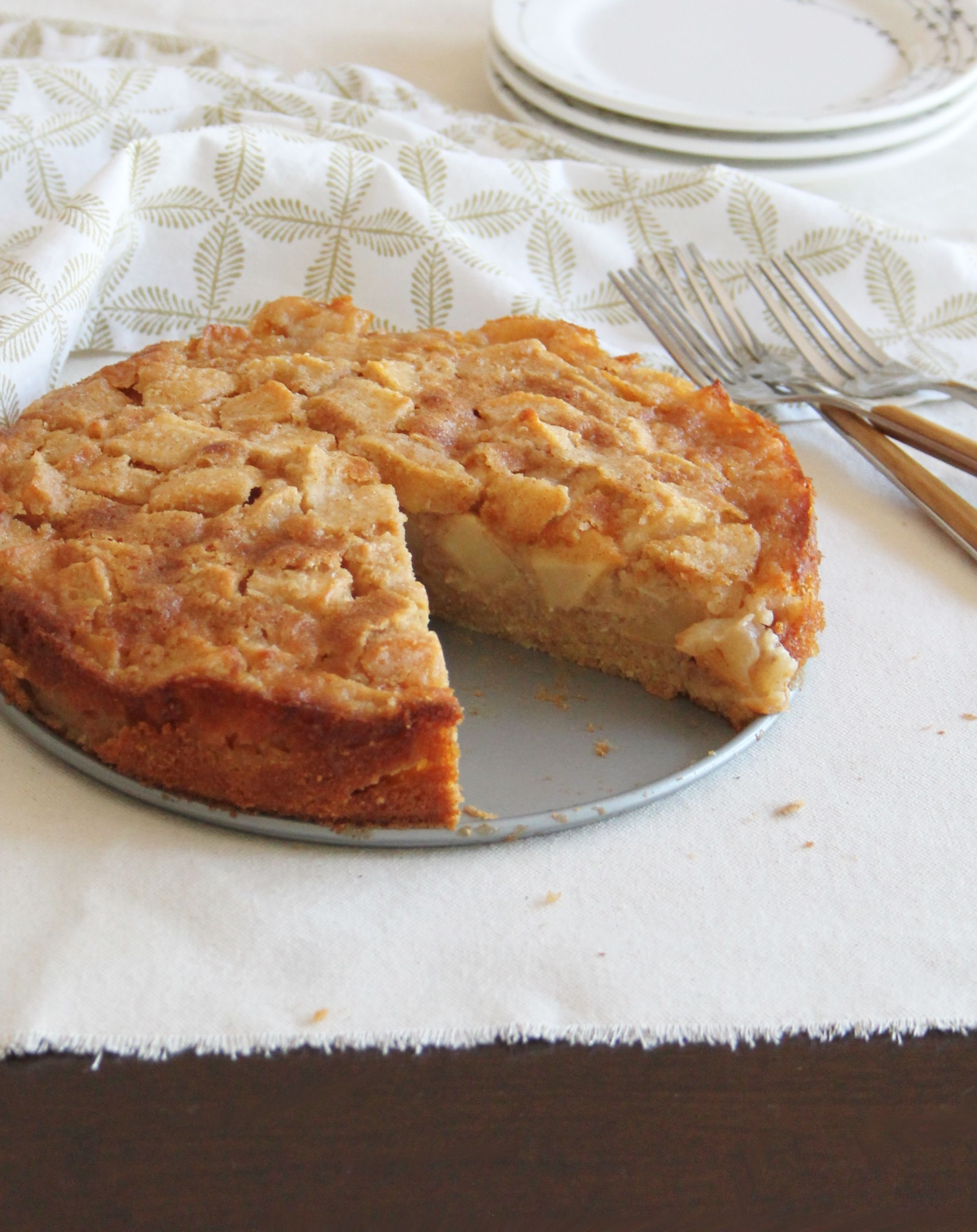 autumn-bliss-apple-cake