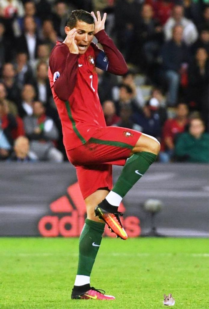 Cr7 Wallpaper Iphone 15 Best Cristiano Ronaldo Pictures For Your Gadgets