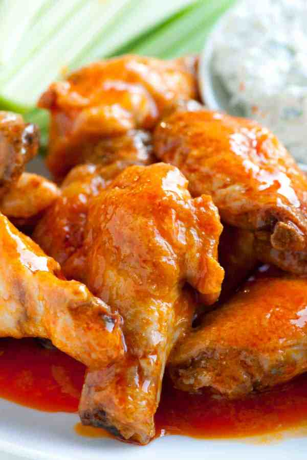 How to Make Crispy Baked Buffalo Chicken Hot Wings