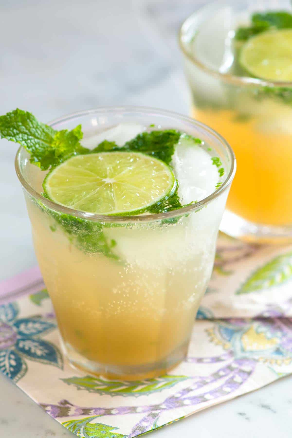 Classic Fresh Rum Mojitos