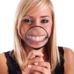 Durch Ölziehen strahlend weiße und gesunde Zähne