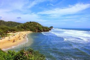 Pantai Indrayanti Gunung Kidul Yogyakarta yang Indah dengan Harga Tiket yang Murah