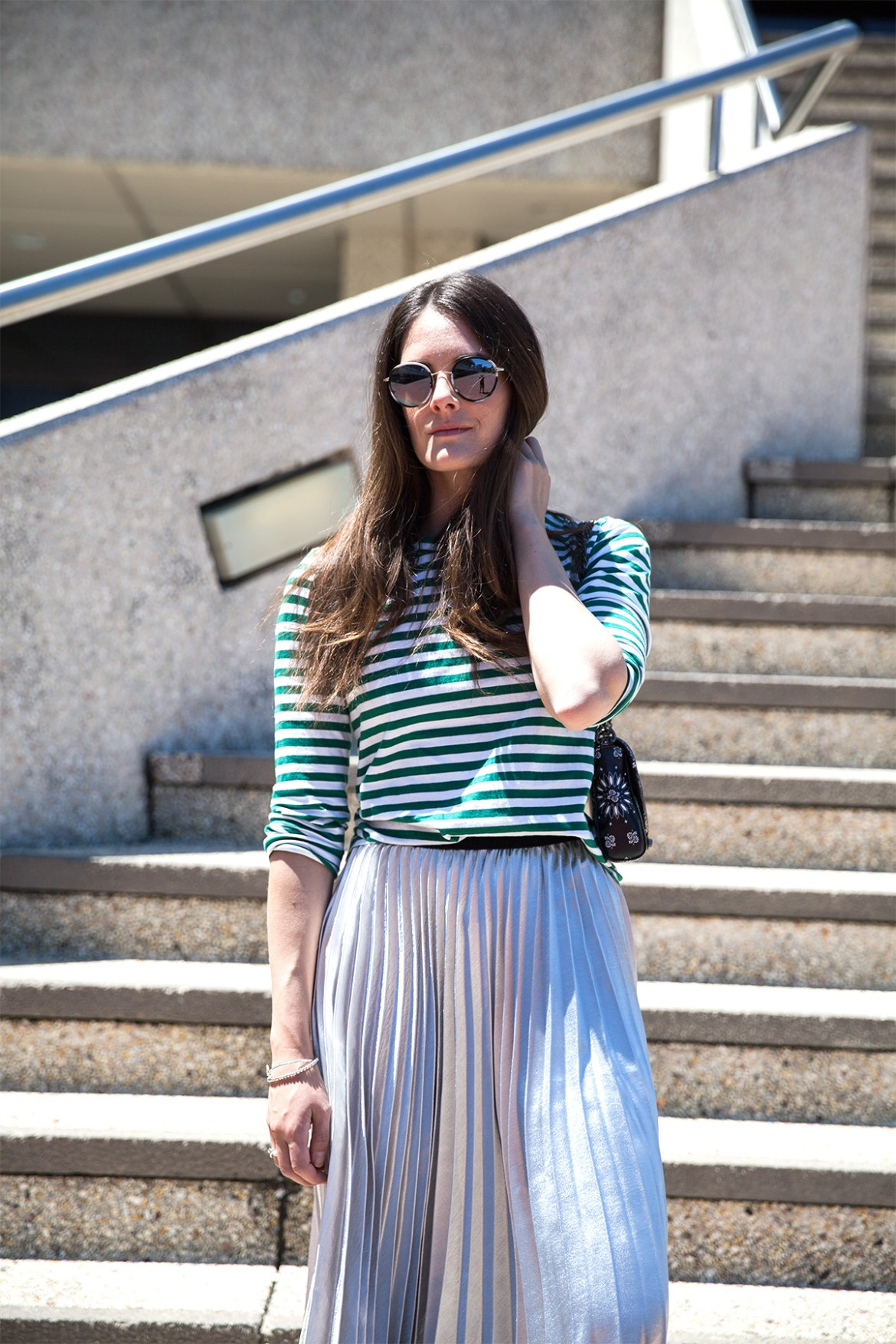 inspiring wit blog style metallic pleated skirt and stripe tee @inspiringwit #fashionblogger #streetstylefashion #ootd