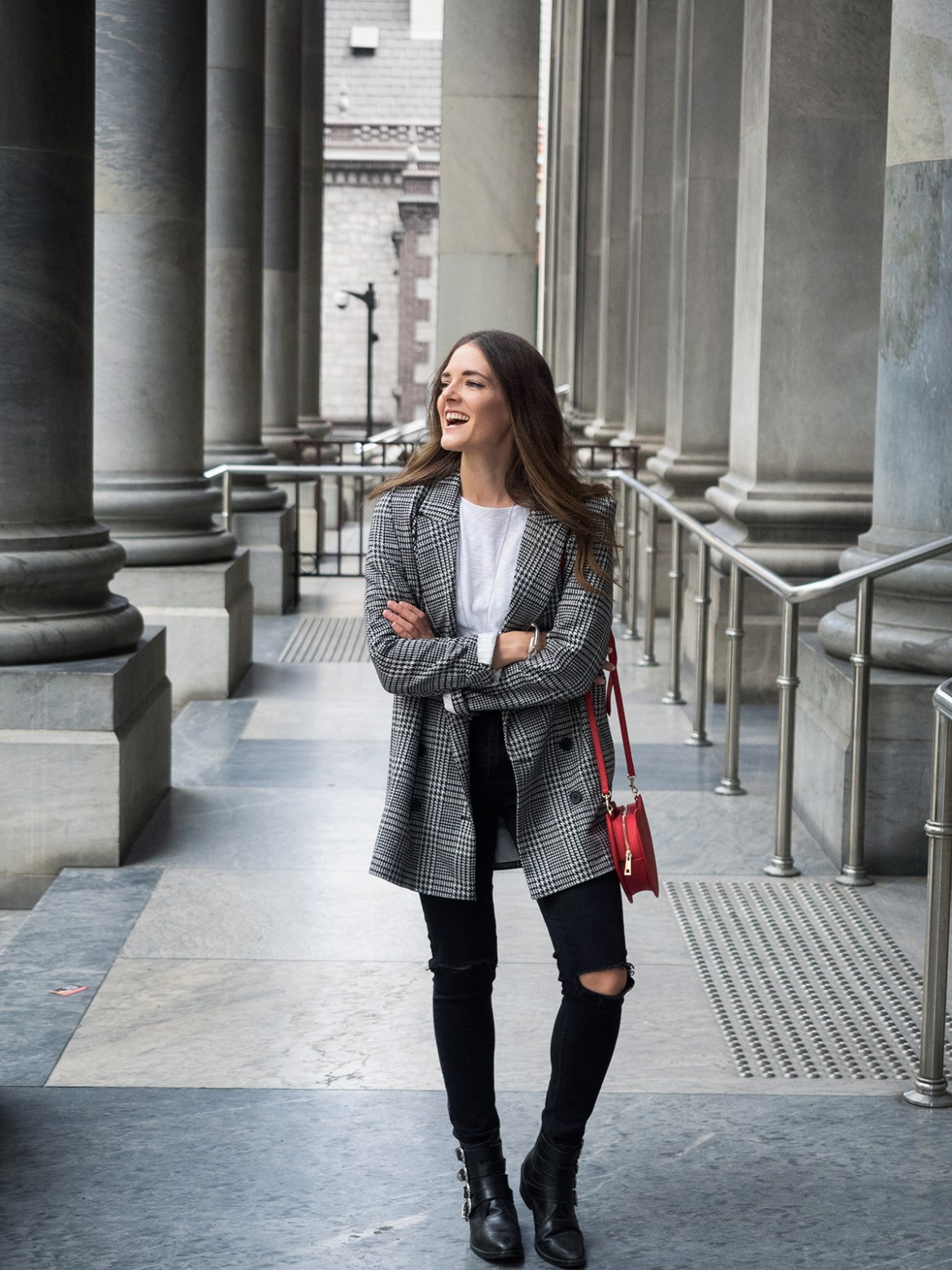 INSPIRING WIT STREET STYLE blogger in H&M check double breasted blazer, fashion outfit in Adelaide