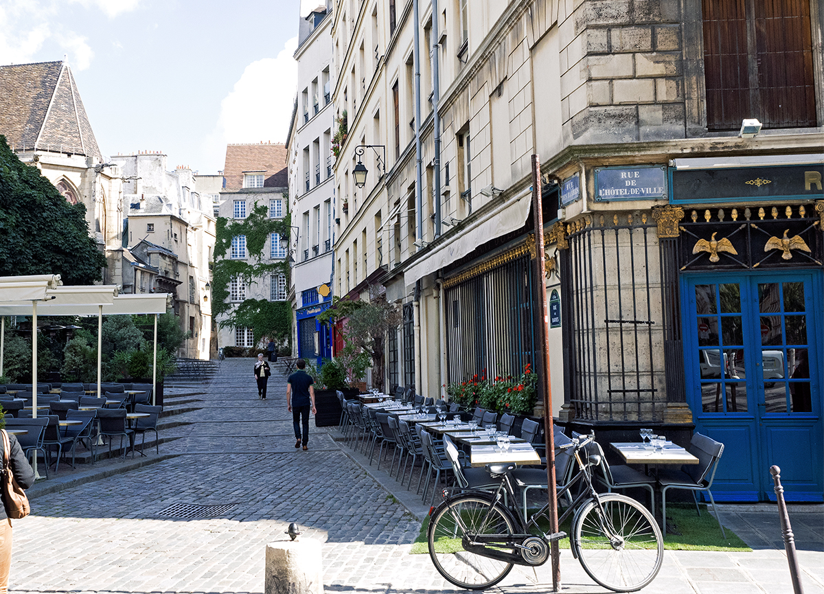 Ultimate Paris travel guide, Chez Julien Inspiring Wit