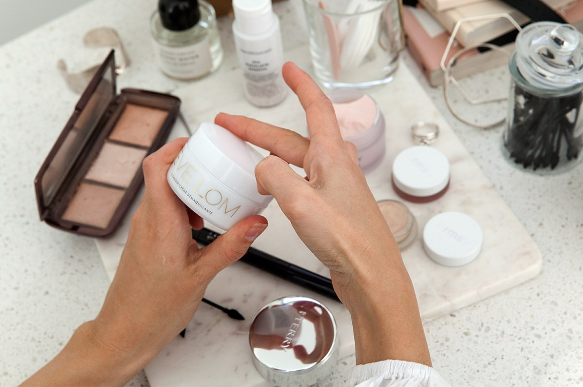 Mecca-Cosmetica-beauty-favourites-Inspiring-Wit-blog-Eve-Lom-Cleanser