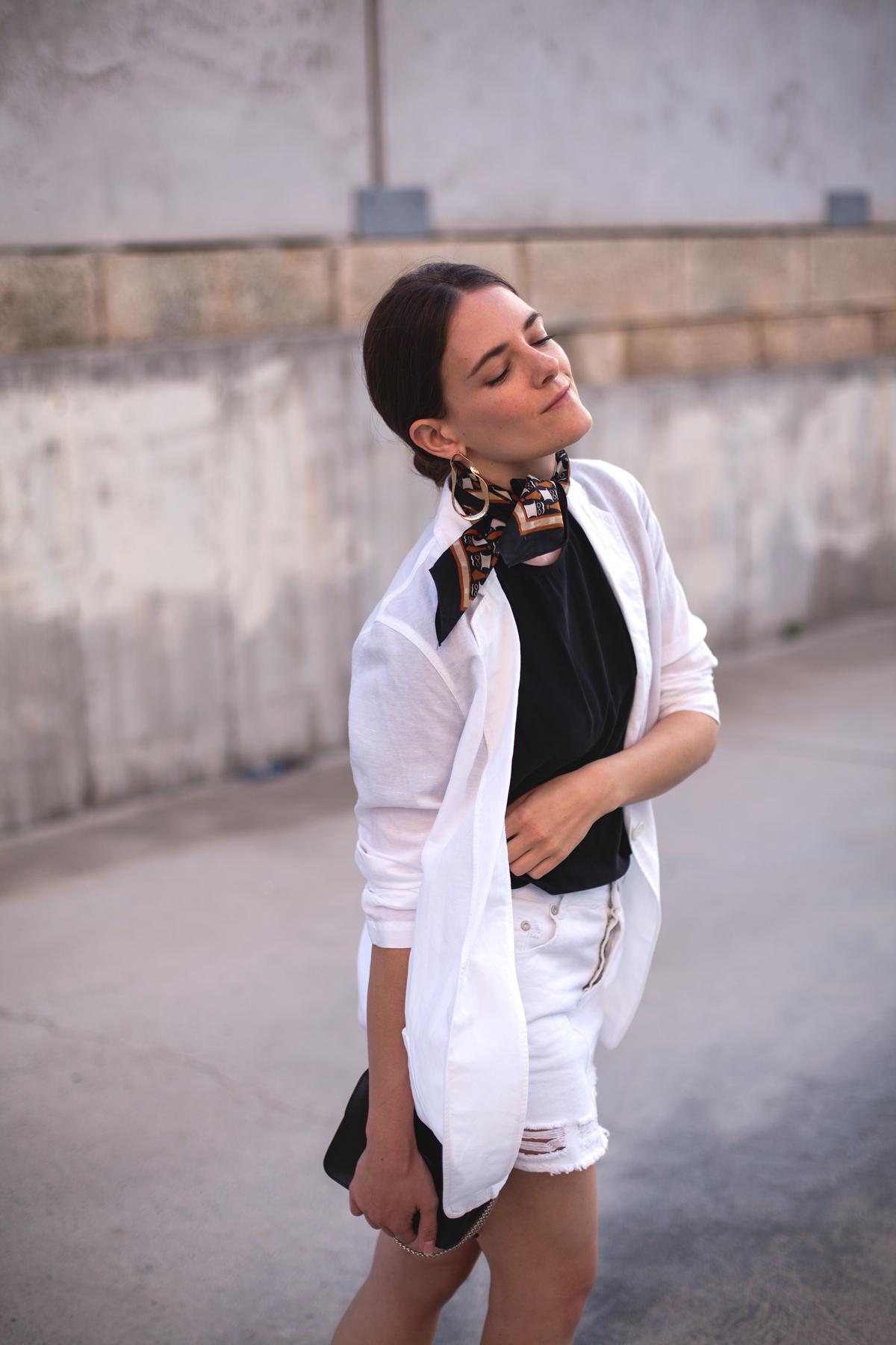 Inspiring-Wit-linen-Uniqlo-blazer