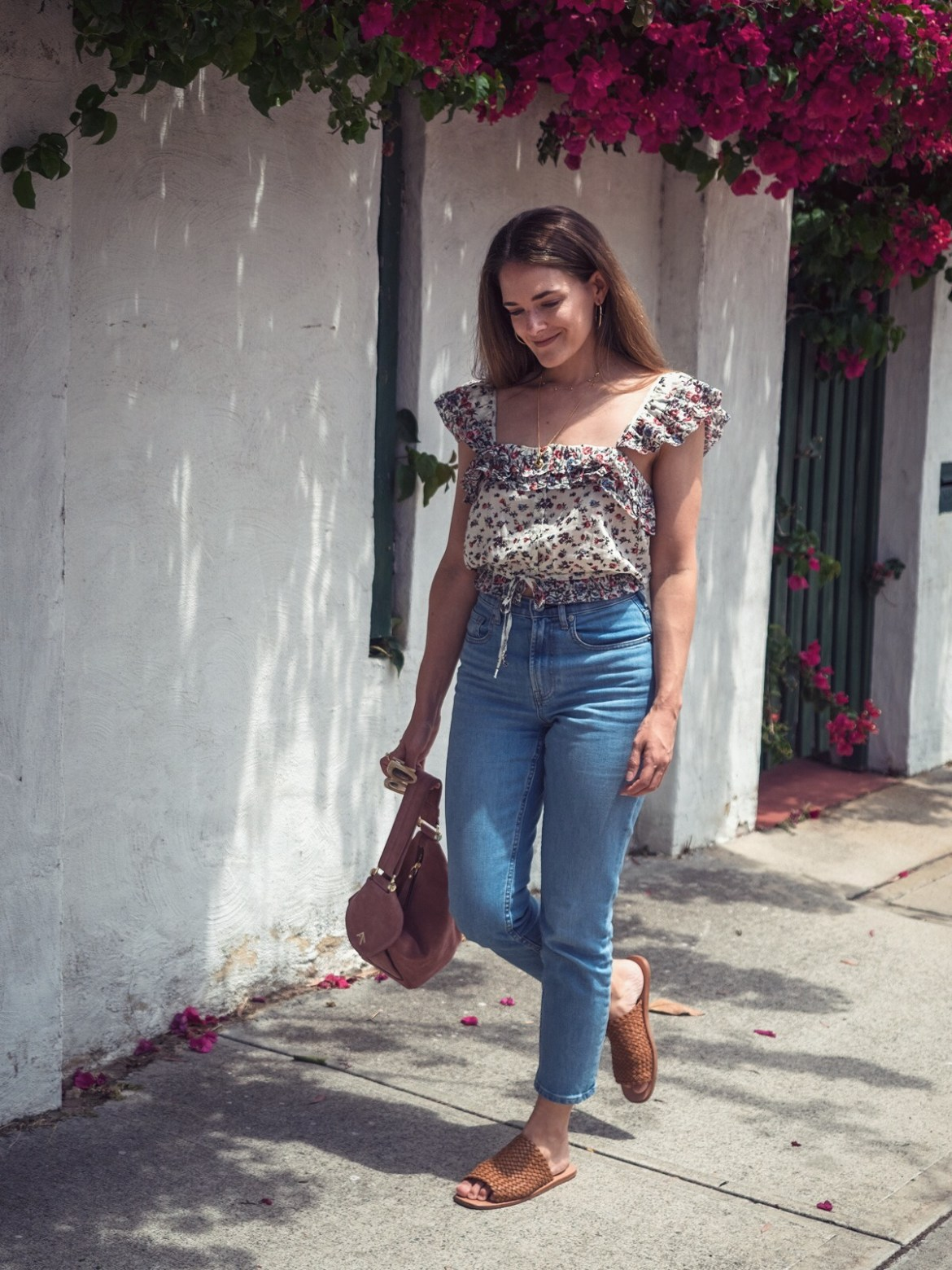 Loveshackfancy crop top worn by fashion blogger Jenelle Witty from @inspiringwit Inspiring Wit with Everlane mom jeans and tan woven sandals summer outfit idea