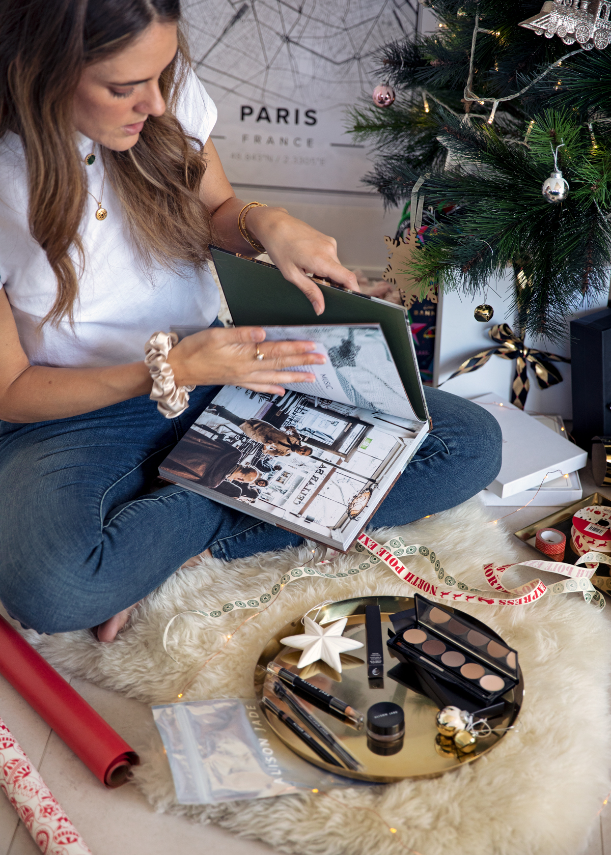 2018 Christmas gift guide Inspiring Wit blog featuring Perth gift ideas Love Italy cookbook by Guy Grossi and Alison Jade beauty cosmetics gift packs