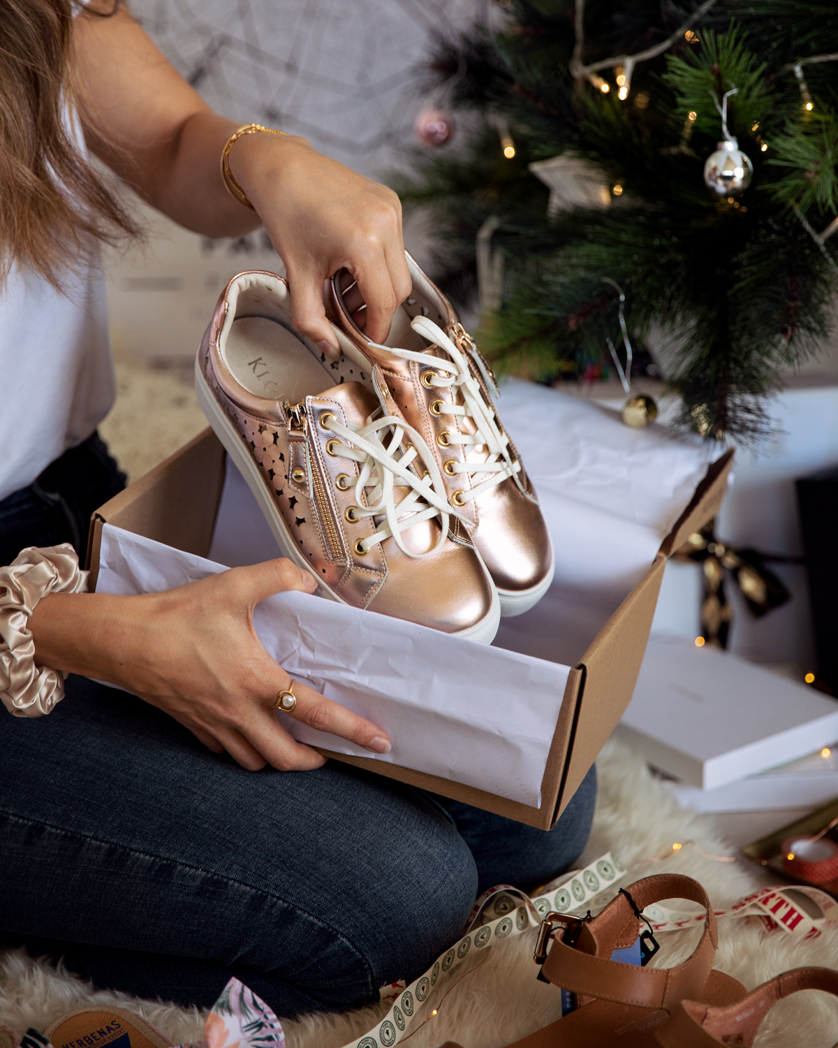 2018 Christmas gift guide Inspiring Wit blog featuring Perth gift ideas Paul Carroll shoes