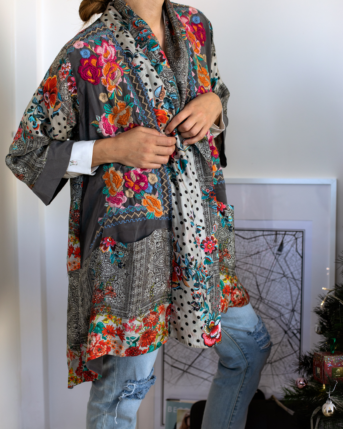 2018 Christmas gift guide Inspiring Wit blog featuring women's gift ideas Johnny Was embroidered silk robe