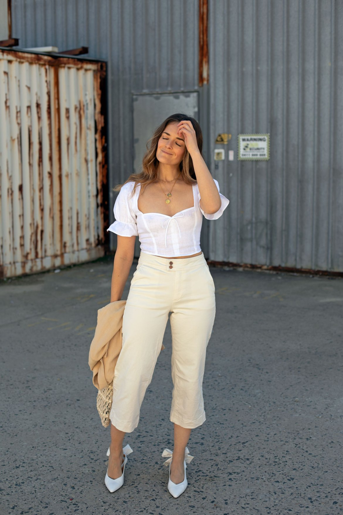 linen crop top and cream jeans outfit