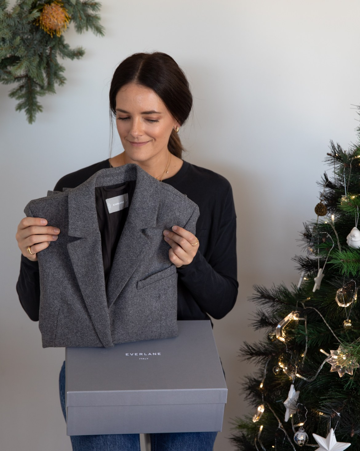 women's gift guide from Everlane the Oversized Blazer in grey herringbone