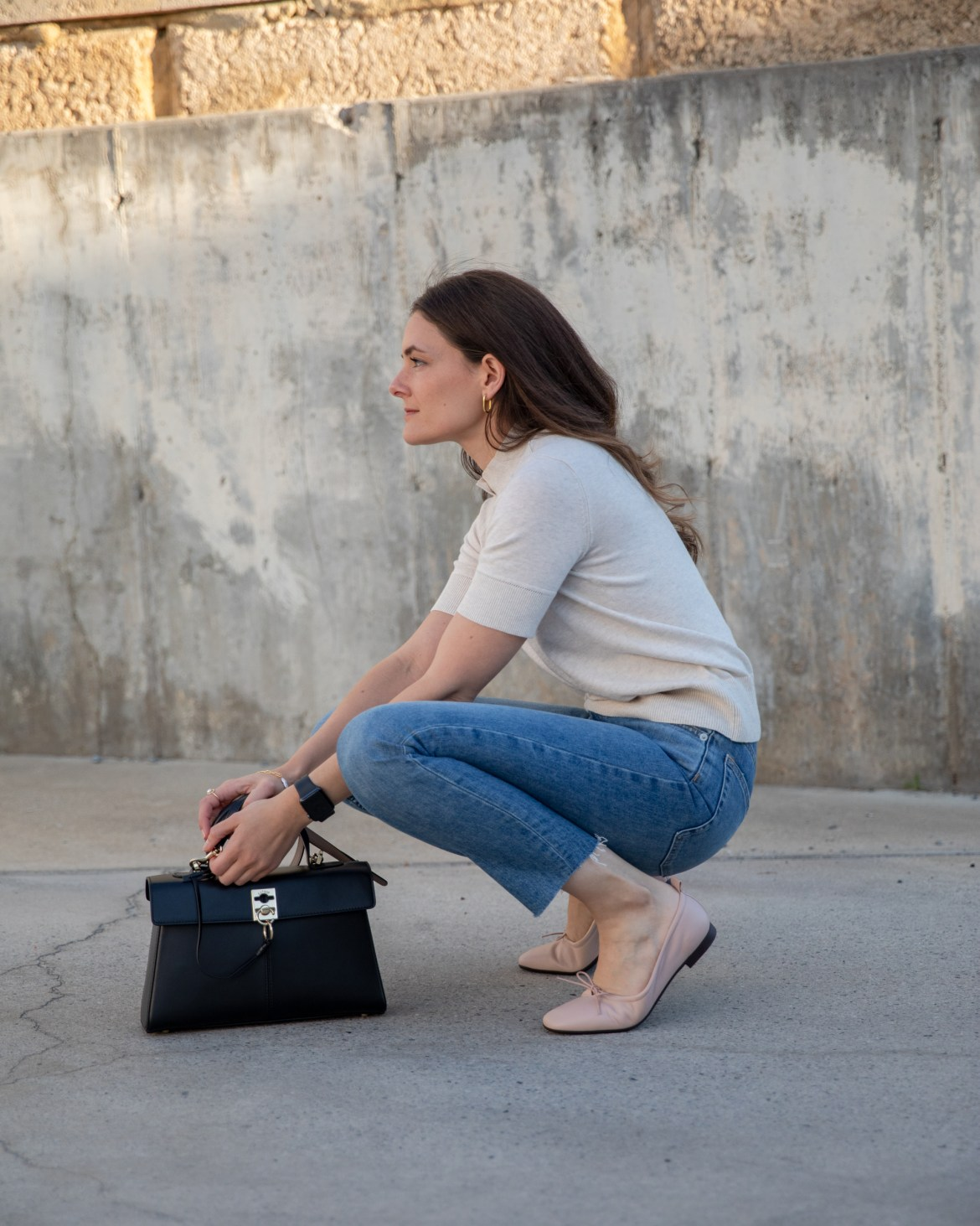Ballet flats with jeans outfit idea from Everlane with Cafune handbag