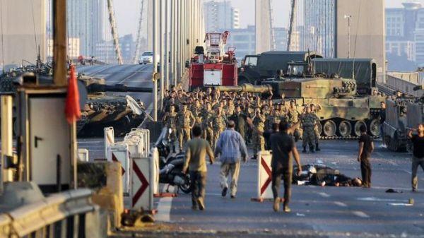 Bosphorus Bridge has been blocked by army tanks