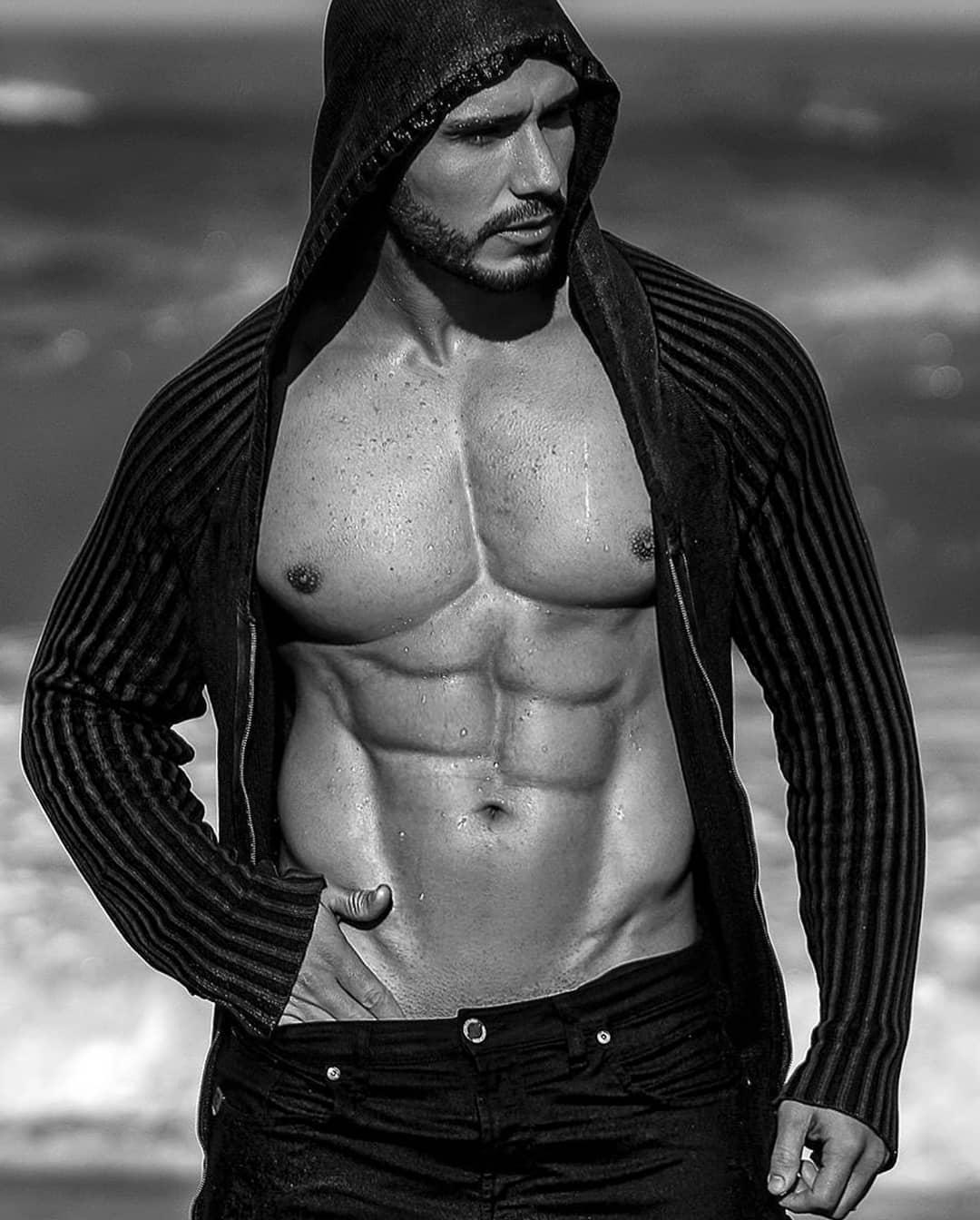 Lucas Viana - @eulucasviana - 887k de seguidores - Fitness/LifeStyle - SP