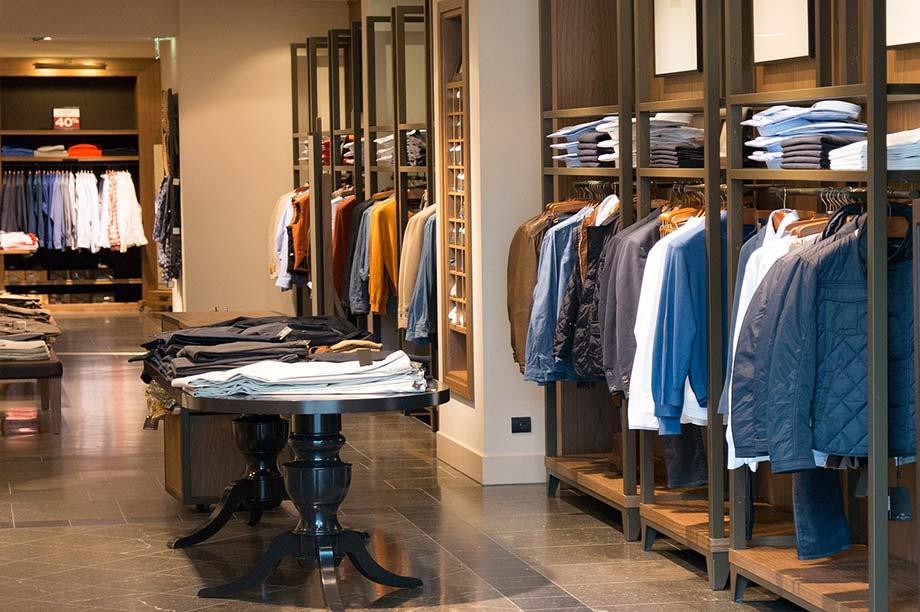 Mobiliario tienda de ropa  Anfra Instalaciones Comerciales