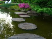 Stone Pathways: Stepping Stone Walkway Ideas + Designs ...