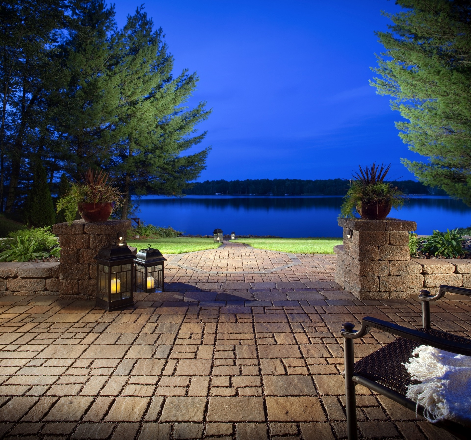 LowMaintenance Landscaping for Large Yards Pro Tips  INSTALLITDIRECT
