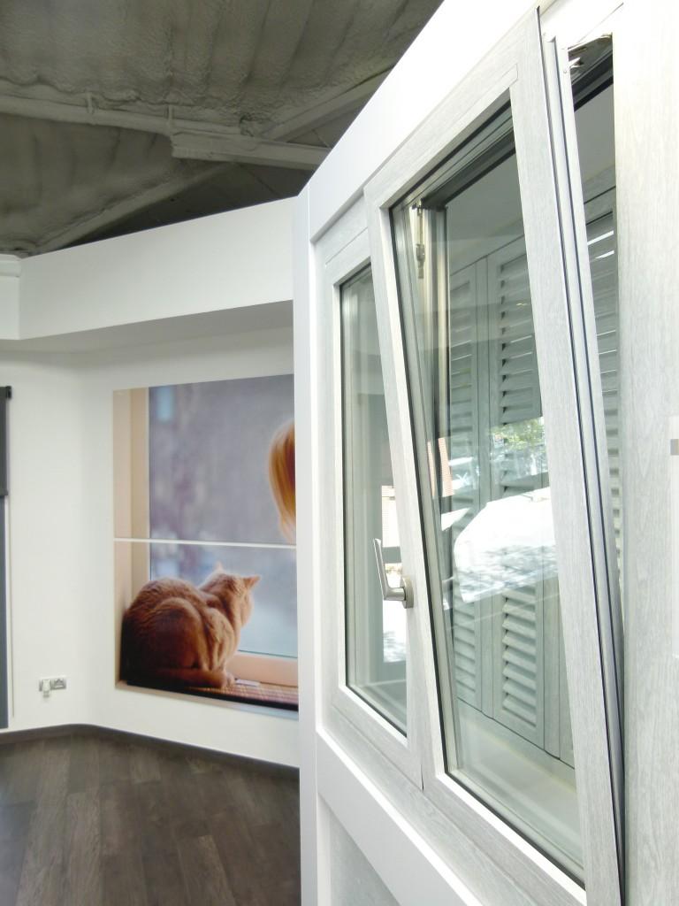 Ventana Oscilobatiente  Carpinteria de aluminio Instalum DM