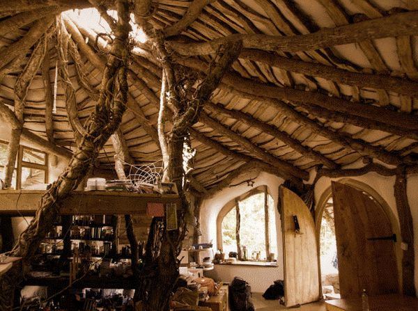 Hobbit Hose, the United Kingdom